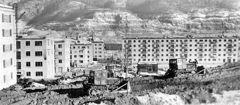 Панорама строительства Яблоневого Оврага
