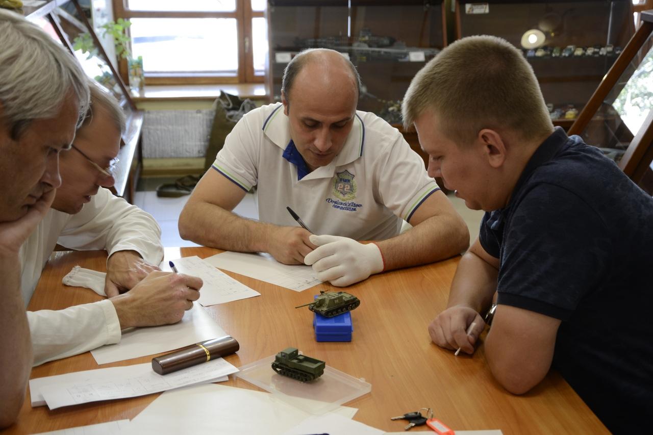 В Донецке прошли IV Открытые Республиканские соревнования по историко-техническому стендовому моделизму «Освобожденный Донбасс», приуроченные к 76-й годовщине освобождения Донбасса от немецко-фашистских захватчиков