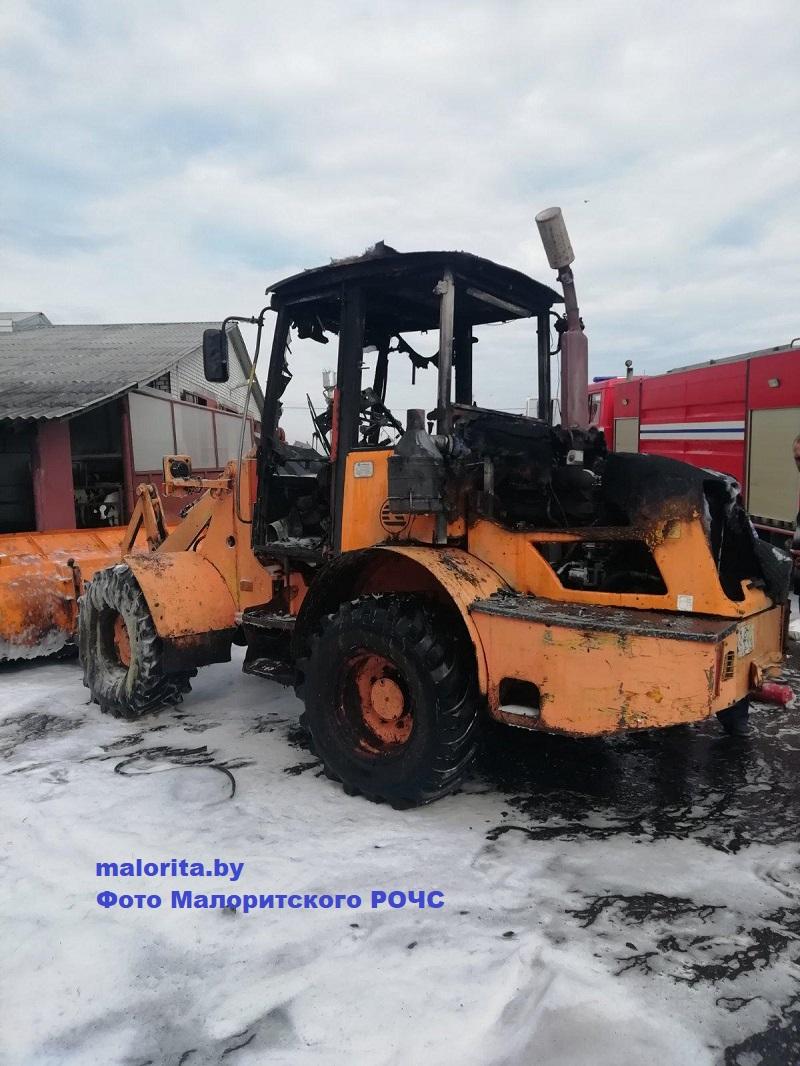 В Малоритском районе сгорел погрузчик