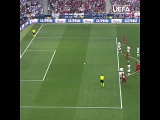 Мохамед Салах реализует пенальти в финале Лиги чемпионов