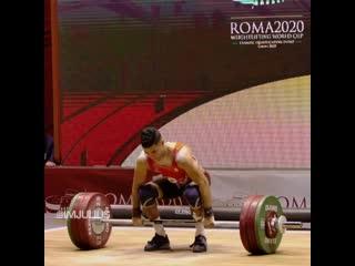 Amine Bouhajba толкает 151 кг в категории до 61 кг