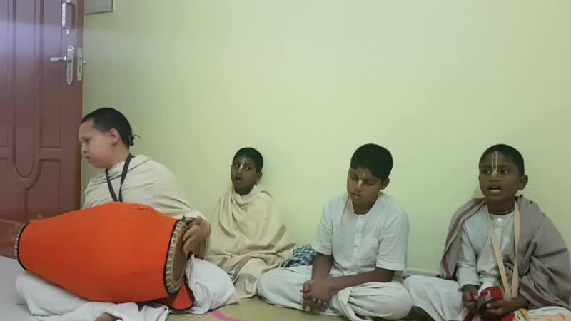 Киртан брахмачари Индия Салем