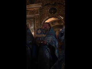 Фрагмент поздней Божественной литургии в Успенском храме