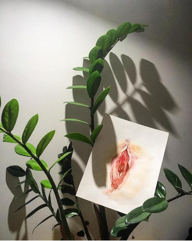 Ульяновская художница рисует женские органы по фото