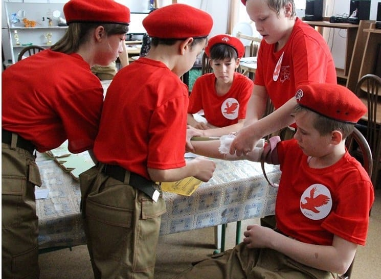 Юнармейцы Петровского района дистанционно изучают приёмы оказания первой медицинской помощи