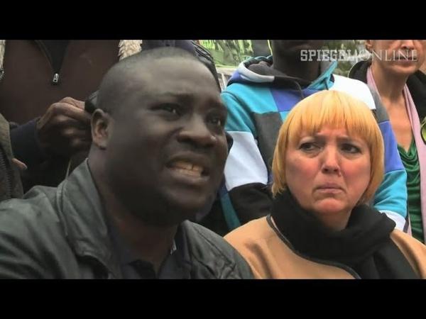 Claudia Roth im Flüchtlingscamp: Lampedusa in Kreuzberg
