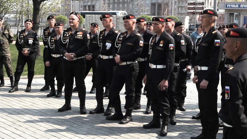 Морские пехотинцы на обзорной экскурсии по Москве