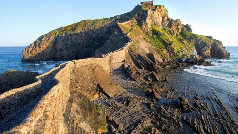 Интересные места нашей планеты Гастелугаче - Живописный Остров