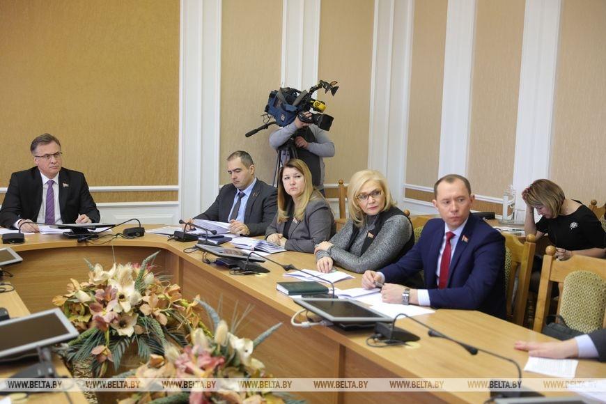 Парламент готовит предложения по смягчению влияния коронавируса на экономику