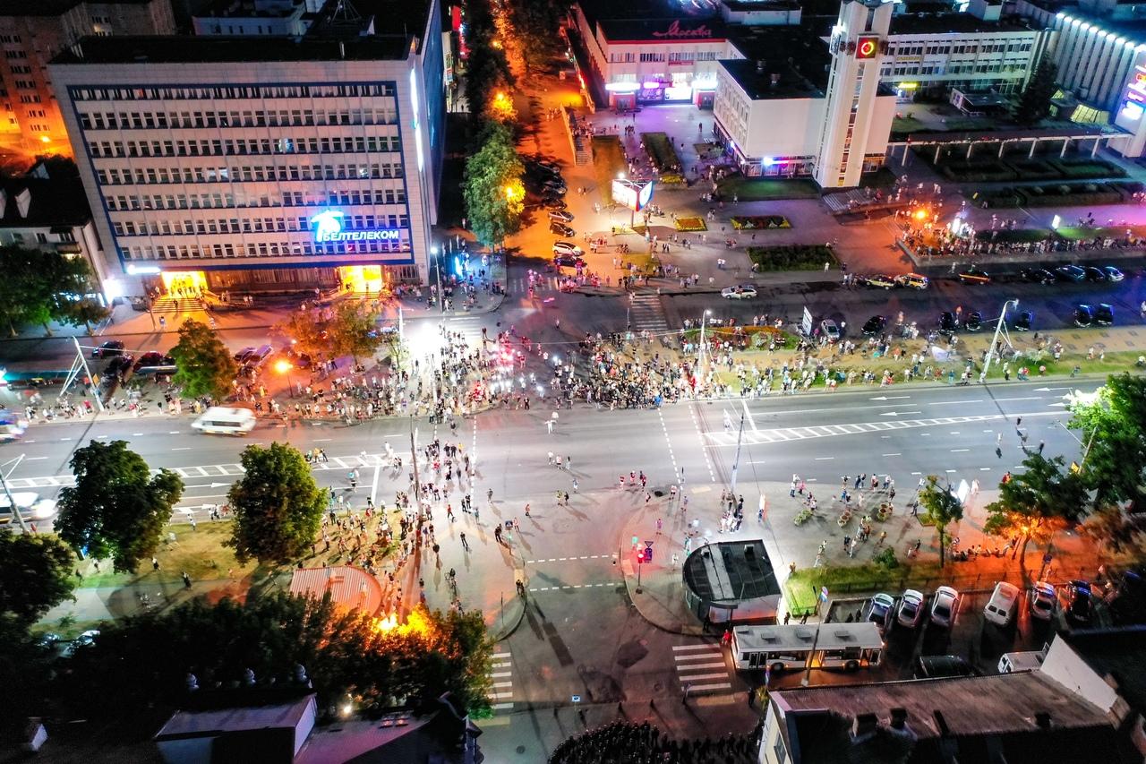 Вы же ждали фото событий 9 августа с высоты от ВаськиПилота? Так вот они, смотрите...