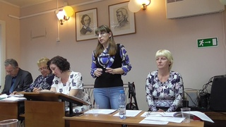 Выступает депутат и директор Сойгинской школы Суздалева М.Я.