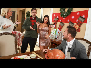 [brazzers] luna star - horny for the holidays part 3 newporn2019