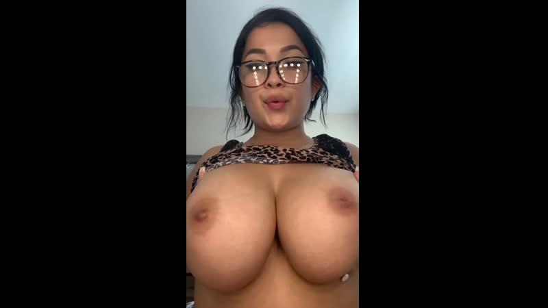 Elizabeth Anne Big Boobs