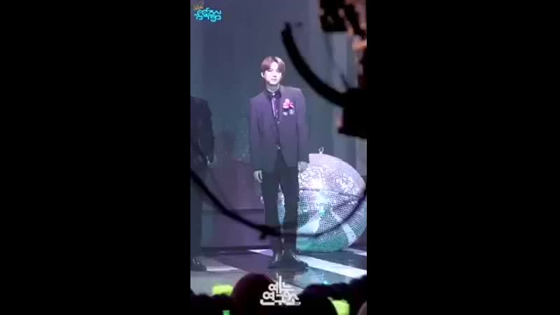 Legend Jungwoo He's got that innocent and delicate face and voice but when it comes to dancing his movements are really power