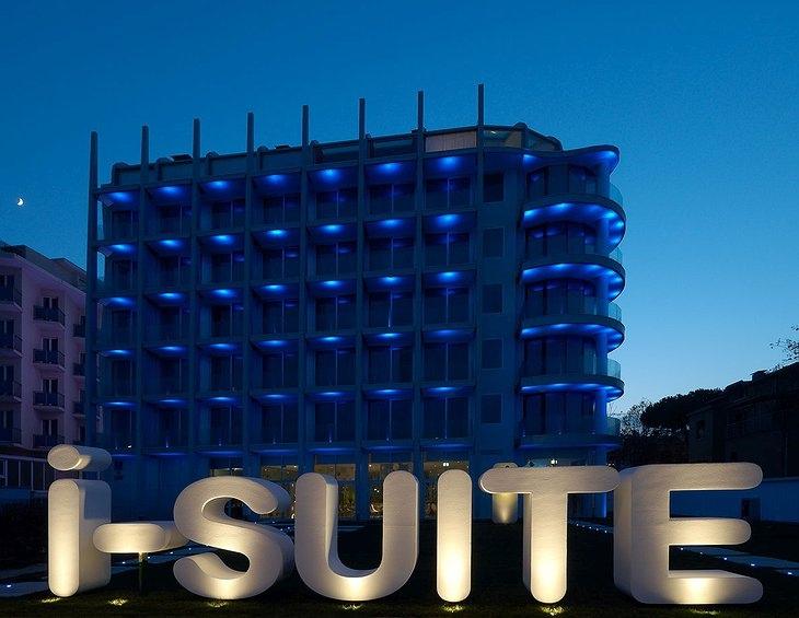 Лучшие отели мира от Soul Travel i-SUITE Hotel (Италия), изображение №1