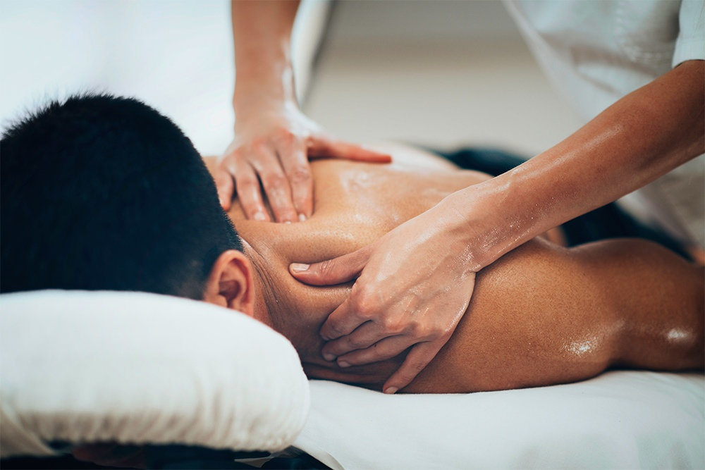 Медицинский массаж можно использовать для лечения боли, связанной с беременностью.