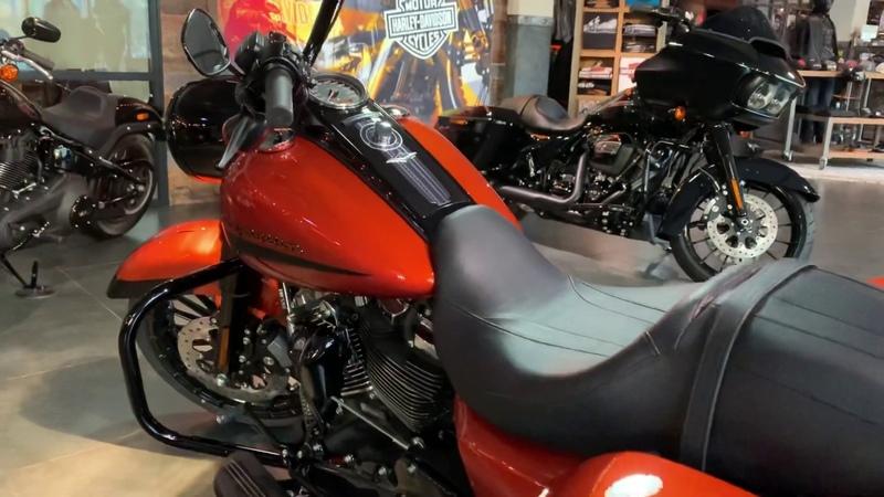 Road King Special 114 orange Harley-Davidson