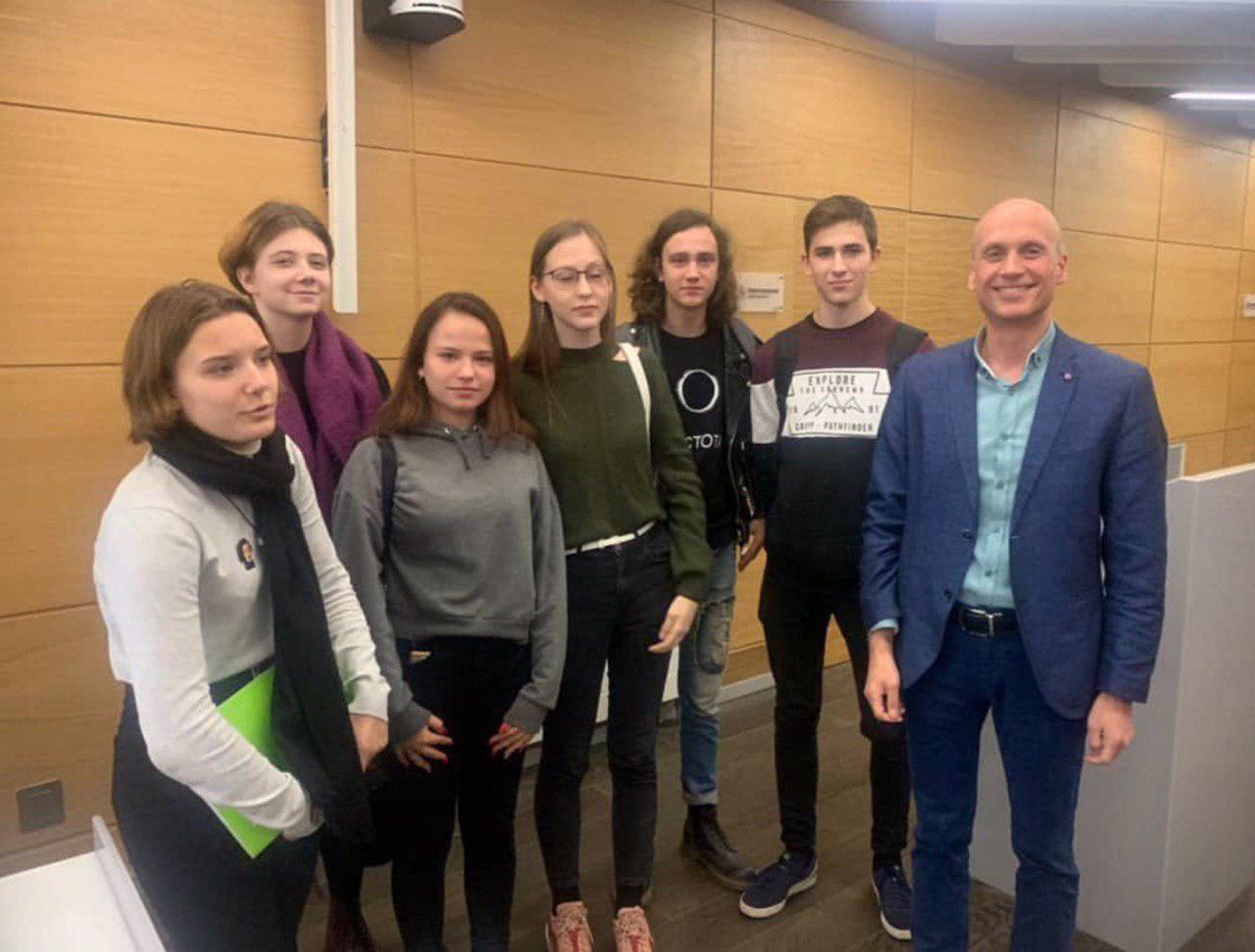 Учащиеся школы № 2089 приняли участие в проекте «Сколтех в Зарядье»