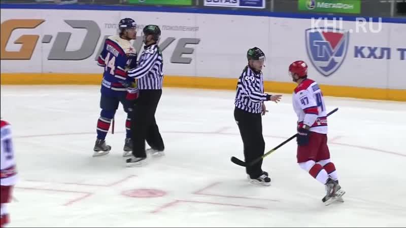 Павел Дацюк встречает силовым Евгения Артюхина