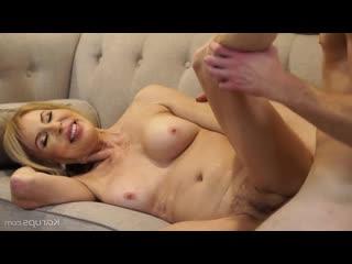 Erica Lauren - The MILF Next Door 2 (Мамочка По Соседству 2)