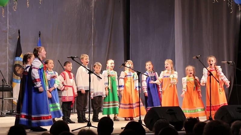 Фестиваль Станичники 2014 детский фольклорный ансамбль Славица