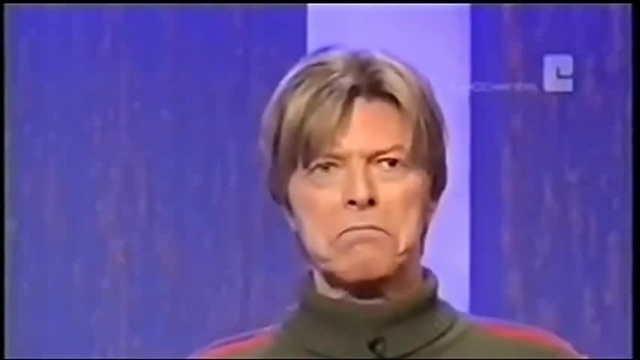 David Bowie imitates Mick Jagger