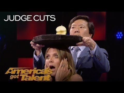 Aaron Crow Dangerously Shoots Apple Off Heidi Klum's Head America's Got Talent 2018