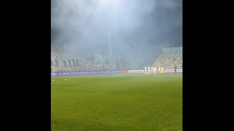 Фаны хорватской Риеки поддерживают свою команду вопреки всему