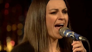 Amy Macdonald Statues Acoustic live in The Mildmay Club 2020