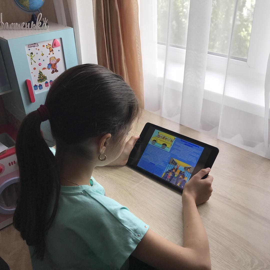 Петровские школьники вместе с родителями изучают правила поездок в личном и общественном транспорте