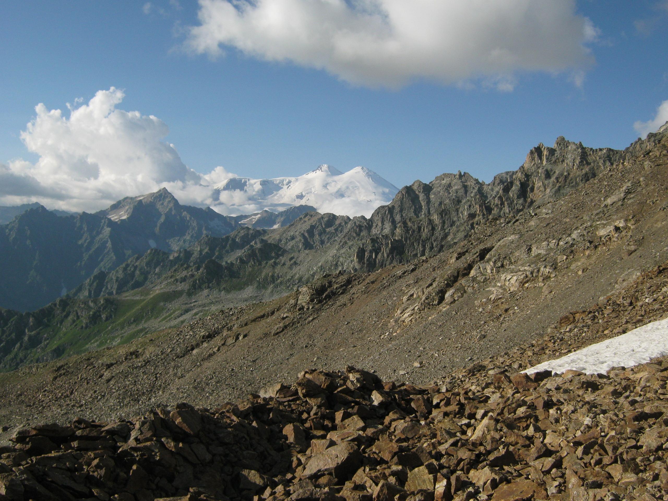 Вид на Эльбрус из Верхней Сванетии