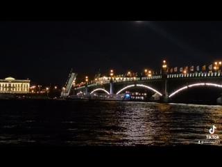 Video by Diana Slavnaya