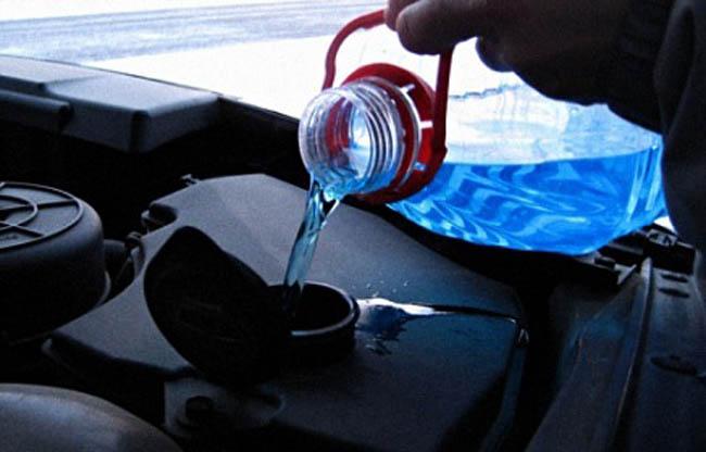 Что делать, если замерзла вода в бачке стеклоомывателя?, изображение №2