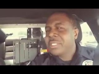 Весёлый преступник попался