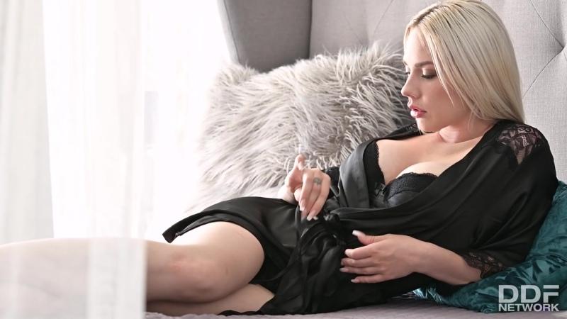Angie Lynx - BlondeS Anal Needs Met порно porno 2020