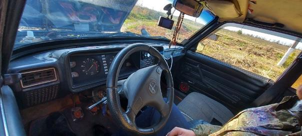 Торг)Машина на полном ходу, по документам чистая, штрафов...