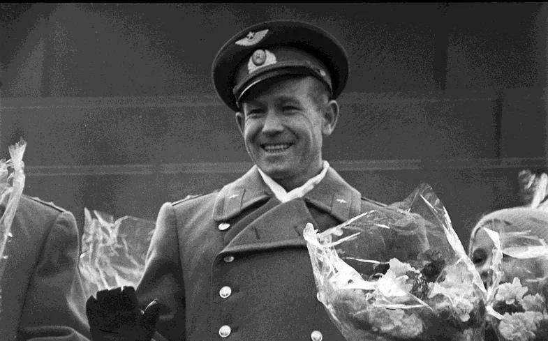 Алексей Леонов, летчик-космонавт СССР, дважды Герой Советского Союза
