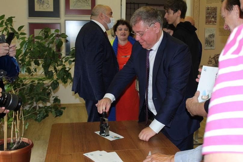 Конверты к юбилею Сергея Орлова погасили заместитель губернатора области и внук поэта ✉