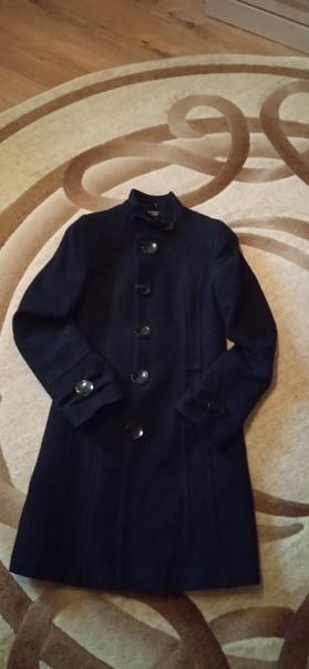 Пальто в идеальном состоянии р-р 42-44 1500...