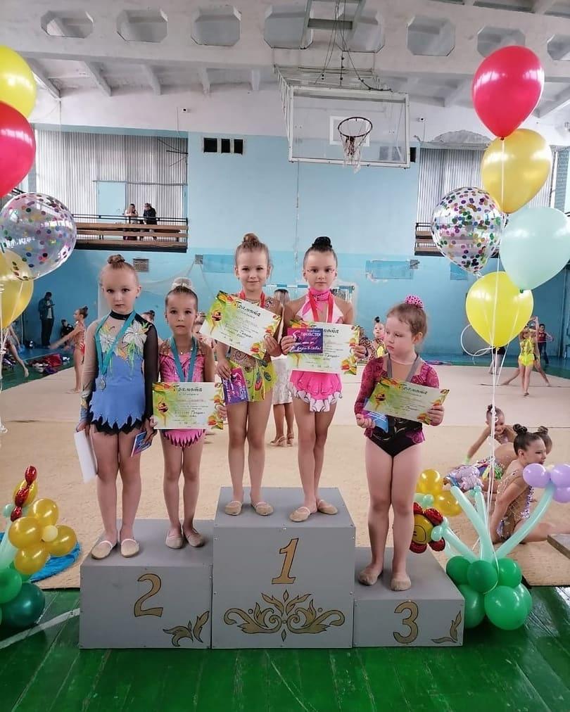 В турнире «Весенняя грация» петровчанки — воспитанницы секции художественной гимнастики стали победительницами и призёрами
