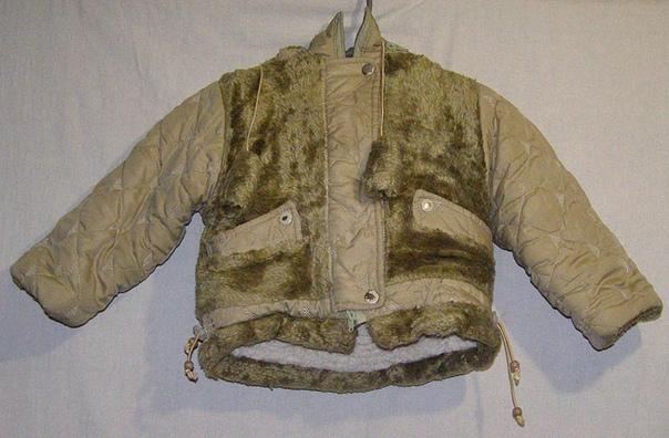 ✅(1)Куртка для девочки школьного возраста с капюшоном. Цена 150 руб.