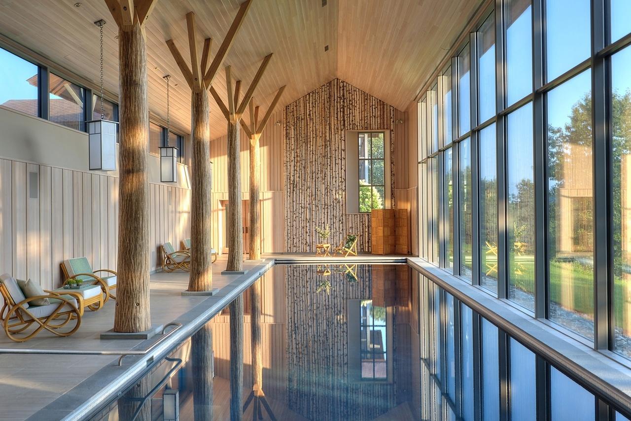 Lazy Bear Pool House / BarlisWedlick