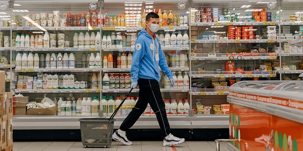 Волонтеры Москвы доставят горожанам продукты и лек...