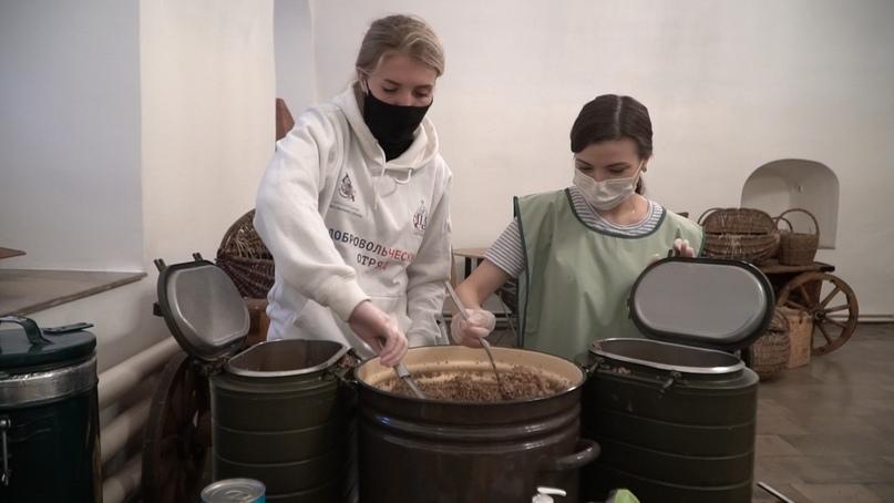 Добровольцы кинокомпании «Союз Маринс Групп» накормили около сорока бездомных, изображение №2