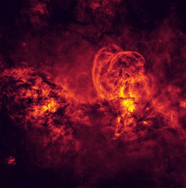 Эмиссионная туманность NGC 3576 в созвездии Киль.