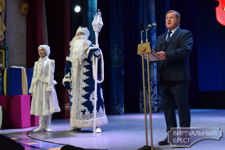 Анатолий Лис: государство всегда будет поддерживать талант и трудолюбие молодого поколения