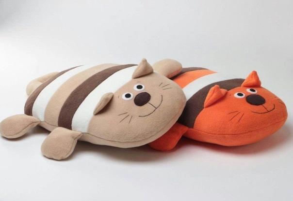 Милые котики: игрушки подушки ...