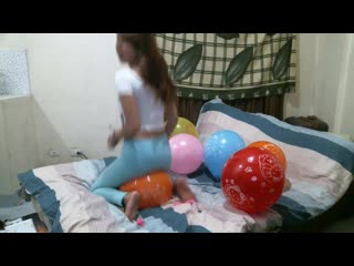 Kimlooner ly x10 hello kitty balloon sit pops in tight jeans