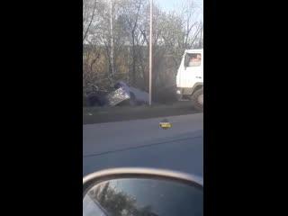 Легковой автомобиль вылетел с дороги