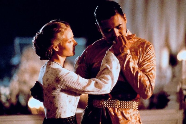 """Джоди Фостер и Чоу Юнь-Фат в исторической драме """"Анна и король"""", 1999 год."""